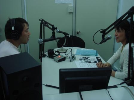 島田角栄さんとパーソナリティの林ひろ子さん